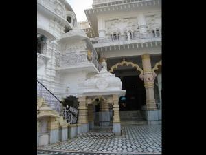 Shardiya Navratri 2017 Special Shree Adya Katyayani Shaktipeeth Mandir Chhatarpur Delhi