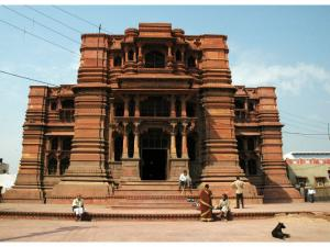 Know These Temple Built Ghost India
