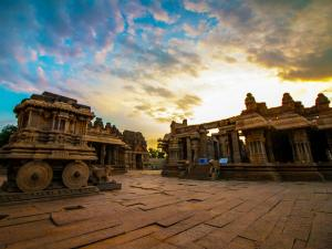 Things Do The Temple Town Hampi Hindi