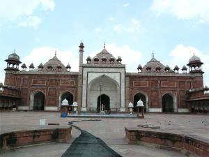 Must Visit Places Alluring Agra Hindi