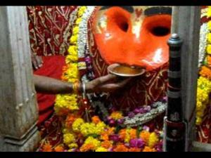 Kaal Bhairav Does Ujjain S Kaal Bhairav Temple Really Drink Alcohol Hindi