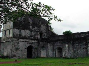 Visit The Less Explored Jaigad Fort Ratnagiri Hindi