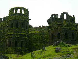 A Mesmerising Journey Raigad Fort From Mumbai With Trek Details Hindi