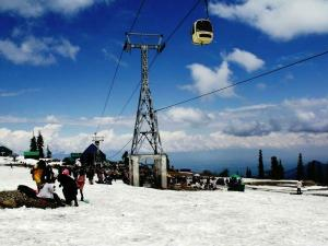 Things You Must Experience When Gulmarg Hindi
