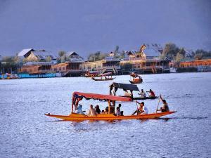Charming City Lakes India