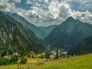 Forget Ladakh These Destinations Kashmir Hindi