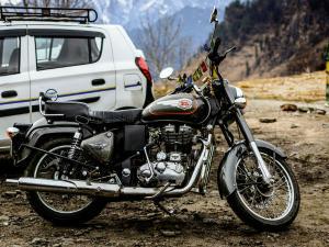 Ladakh Witnesses The World S Highest Motorable Road Hindi