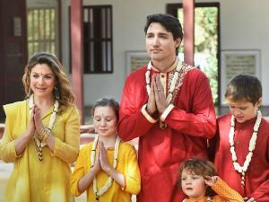 Canadian Pm Visits Akshardham Temple Sabarmati Ashram Gandhinagr Hindi