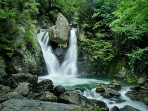 Top Waterfalls Uttarakhand Visit This Season Hindi