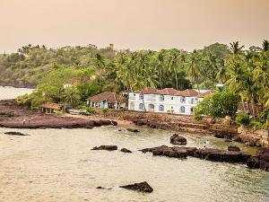 Dona Paula Beach Tour Travel Guide Hindi