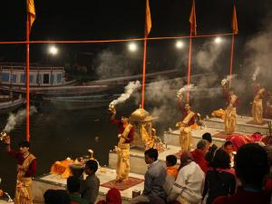 Things Keep Mind During The Evening Aarti Varanasi Uttar Pradesh Hindi