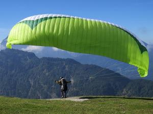 Best Paragliding Destination In India Hindi