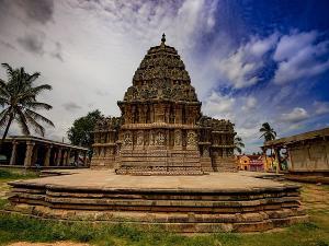 Eye Catching Temples In Hassan District Karnataka Hindi