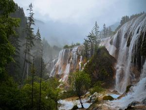 Safety Tips To Follow During Waterfall Tour In Monsoon
