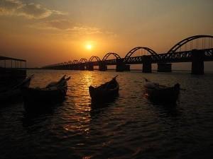 Most Popular Bridges Of India 000411 Pg