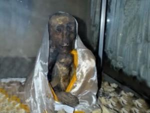 Mummy In Gue Village Hindi