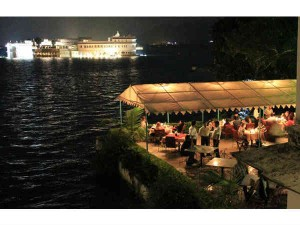 Delhi Udaipur Travel Guide