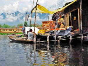 The Floating Market On Dal Lake Hindi