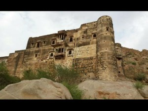 Explore The Beauty Amidst Ruins At The Jalore Fort Of Rajasthan Hindi