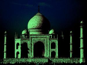 Visiting The Taj Mahal At Night Hindi