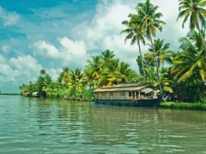 Honeymoon Destinations Kerala Hindi
