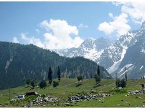 Remembering Shashi Kapoor Who Brought Romance Kashmir Shimla Hindi