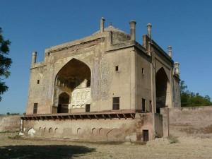 Chini Ka Rauza Splendid Mausoleum Hindi