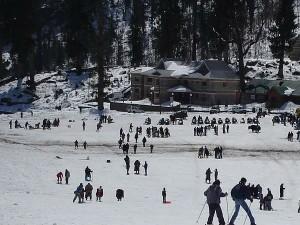 Delhiites Ring Into This New Year With Snowfall Hindi
