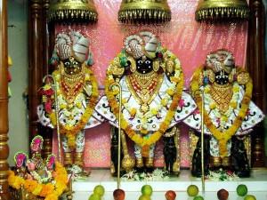 All About Shri Swaminarayan Temple Bhuj Hindi