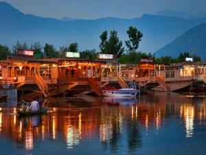 Head These 8 Luxury Holiday Destinations India Hindi