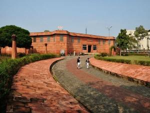 Travel The Three Famous Museums Varanasi Hindi