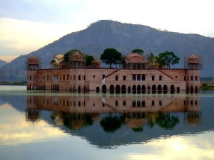 Famous Indian Monuments Where Bollywood Films Have Been S