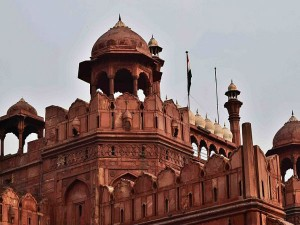 Adopt Heritage Red Fort Goes Dalmia Tajmahal Itc Hindi