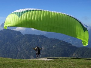Best Paragliding Destination In India Hindi