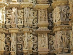 खुल गया खुजराओ की कामुक मूर्तियों का राज