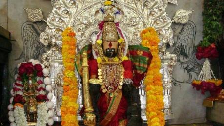 धन की कमी से जूझ रहे हैं,  तो फ़ौरन दर्शन करें देवी मां लक्ष्मी के अद्भुत मन्दिरों के