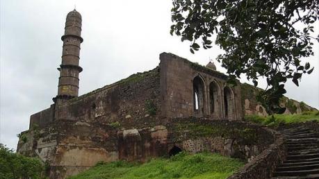 रहस्य : असीरगढ़ किले के इन रहस्यों ने किए सबके कान सुन्न