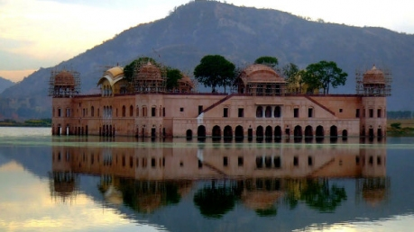 जब बॉलीवुड की फिल्मों में नजर आयीं  भारत की  कुछ बेहद ही आकर्षक इमारतें
