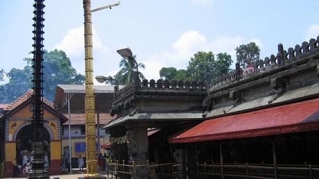 अद्भुत : मुकाम्बिका मंदिर जिसमें समाई है हजारों मंदिरों की शक्ति