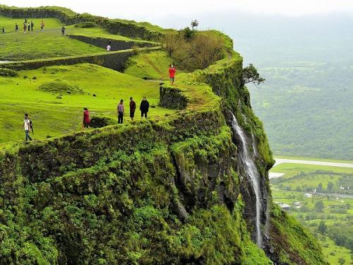 जानिए आपके लिए क्यों खास है महाराष्ट्र का कोरीगढ़ किला